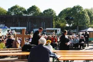 Der Erntedankgottesdienst fand mit Posaunenchor unter freiem Himmel statt.
